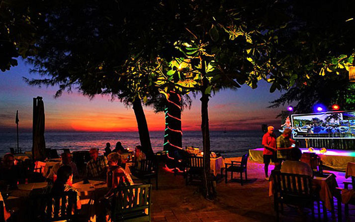 SANDY BEACH RESTAURANT